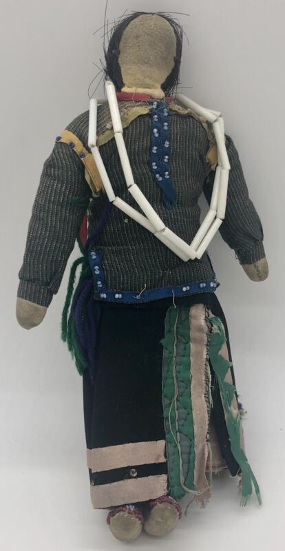 Old Great Lakes Indian Beaded Doll
