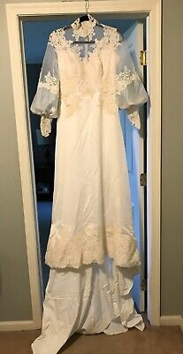 Vintage Wedding Dress Lace Bodice w Button Back Bell Sleeve Appliques 1980s
