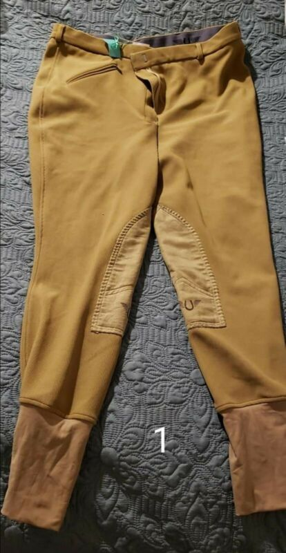Breeches lot mostly 32, 34