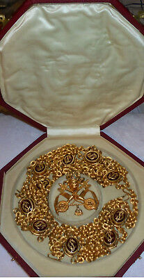 Vatican Pope Chain Uniform Medal Badge Papal Court Clergy Priest Catholic Bishop