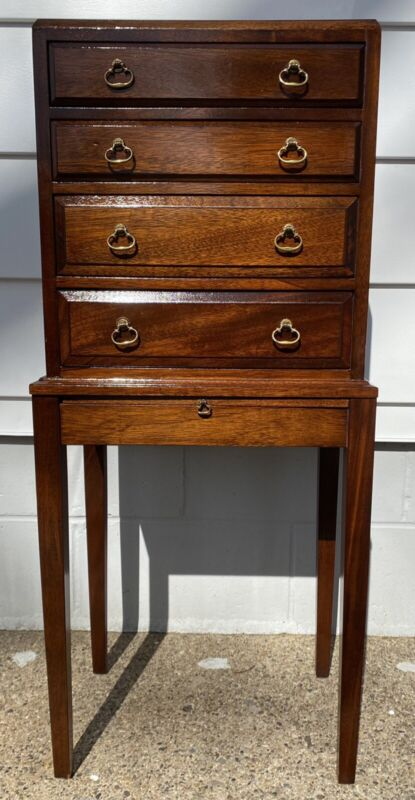 Beautiful Vintage 4 Drawer Mahogany Standing Silverware Chest With Pullout Tray