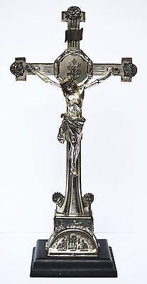Altarkreuz Standkreuz Kreuz Zinn versilbert auf Holzsockel um 1900 Höhe 48 cm