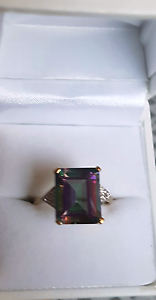 9ct Gold Mystic Topaz rectangular stone with dv Pearsall Wanneroo Area Preview