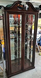 China Cabinet Cherry Wood Etched Glass Built-in Light
