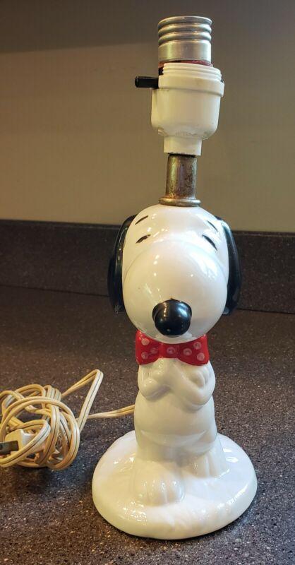 VINTAGE - PEANUTS SNOOPY DOG CERAMIC TABLE LAMP 1958 1966 UNITED SYNDICATE