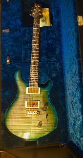 Guitar - PRS Tree of Life Custom 24 Makenna Blue as new.