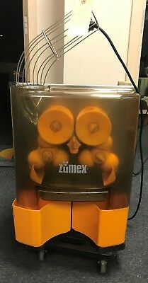 Zumex Essential Basic - Commercial Citrus Juicer