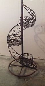 IRON PLANT  STAND