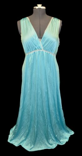 Vanity Fair Vintage Olga Look Blue Nylon & Lace Night Gown size L