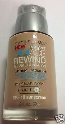 Maybelline Age Rewind Foundation PORCELAIN IVORY (LIGHT-1) Silver Pump (Foundation Silver Light)