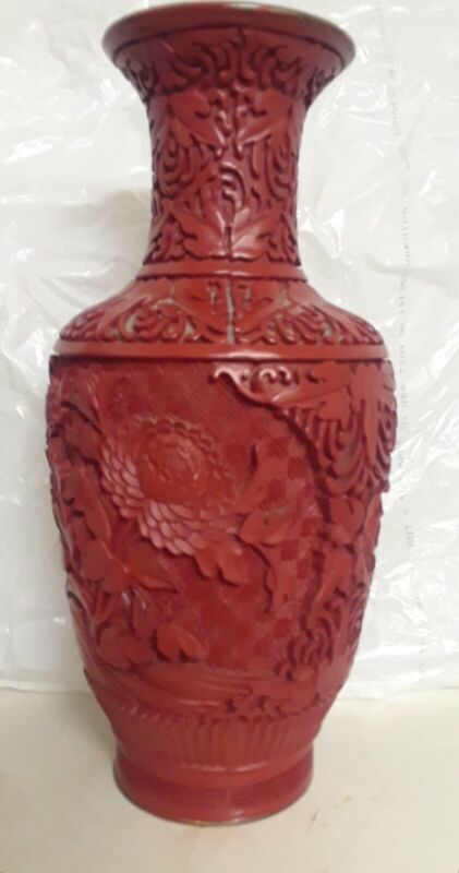 Antique Chinese hand carving Coral Vase