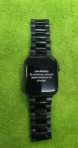 APPLE WATCH 44mm SERIES 4 METAL BAND AND CHARGER Toukley Wyong Area Preview