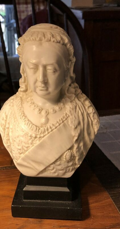 Antique Queen Victoria Chalk ware? Bust  1897