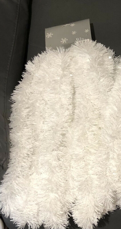 Vintage WHITE 6.1 M Wide TINSEL GARLAND~NEW/NOS~20 Ft~ Feather Christmas Tree