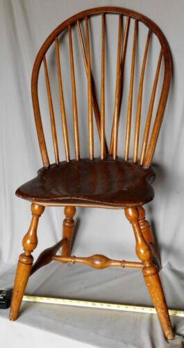 Antique Windsor chair brace back bow 9 spindles ca. 1785 American maple ash oak