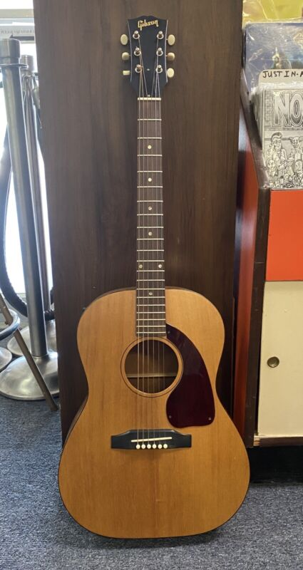 ~~~~1965 GIBSON LG-0 ACOUSTIC GUITAR WITH ORIGINAL CASE ~~~