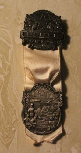 USHERS BADGE FROM THE 1952 DEMOCRATIC NATIONAL CONVENTION CHICAGO