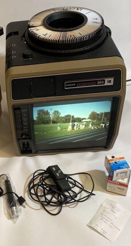 Kodak Ektagraphic Cube 35mm AudioViewer/Projector Model 260 & More - PLEASE READ