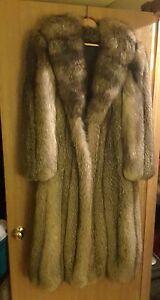 Full Length Silver Fox Fur Coat (size 10-12) GORGEOUS !