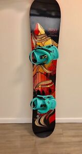 Roxy snowboard and union bindings
