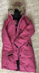 Youth- Canada Goose Pink Britannia Girl's Parker XL