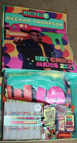 2021 NICKELODEON KIDS CHOICE AWARDS SHOW PROMO DELUXE BOX SET SWAG BLANKET CUP