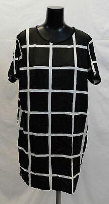 Boohoo Women's Plus Grid Print T-Shirt Dress CK6 Black Size UK:28 US:24 NWT