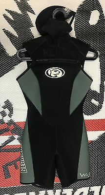 USED Women s Bear Skin 5 mm hooded Titanium Shorty Wetsuit 22282e48a