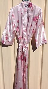 """Beautiful New """" Sussan """" Satin Dressing Gown Lake Haven Wyong Area Preview"""
