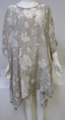 New ESKANDAR Women's Beautiful Silk Gray Floral Bound Neck  Kaftan Size 1