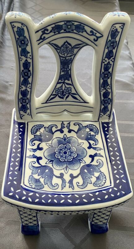 Beautiful Blue And White Porcelain Chair 11.75 X 6.25 X 6.50 Unmarked Pre-owned