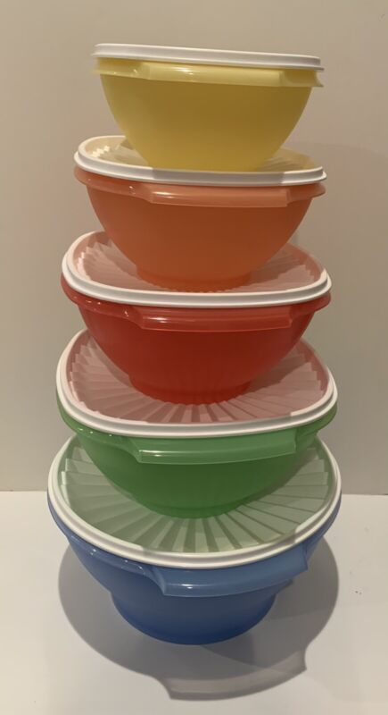 TUPPERWARE NEW SERVALIER BOWLS SET OF 5 Multi Colored With White Lids!!