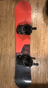 Men's Nitro Magnum Snowboard with Slip On Flow Bindings