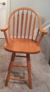 Solid oak swivel arrow back island height chairs