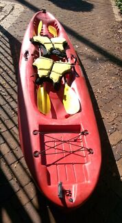 Dagger Double kayak with paddles and life jackets, 2 of.
