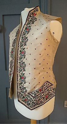 Embroidered Regency Late 18th / Early 19th Century Silk Waistcoat - Antique