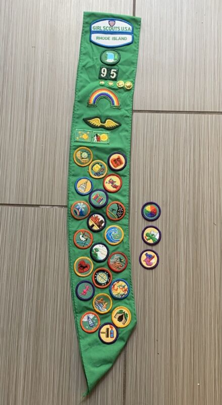 Vintage GIRL SCOUTS USA sash with Merit Badges, PATCHES, pins 1992-95