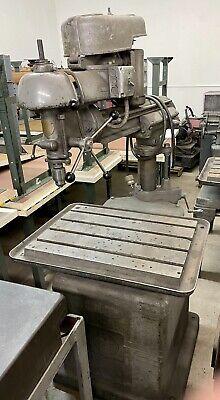 Vintage Walker-turner Radial Arm Drill Press 21 Throat 26 X 18 Table