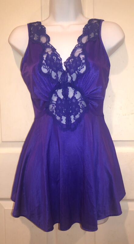 ADONNA New Vintage Nightgown PURPLE Size S Lace Bodice Sweep Olga Esque Style