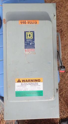 """Square D H-364 Series E1 Safety Switch w/ Fuses """"Lockout/Tagout Capable"""""""