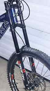 Great Condition Marzocchi Drop Off Dual Crown Mountain Bike Fork
