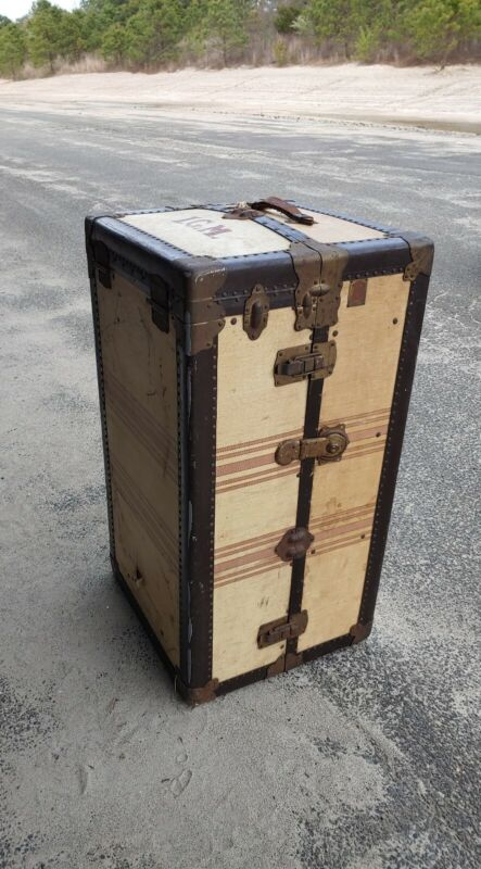 LARGE ANTIQUE CROUCH & FITZGERALD STEAMER TRUNK