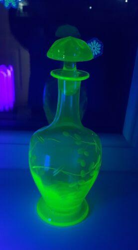 Uranium Depression Vaseline Glas Decanter Early 20th century