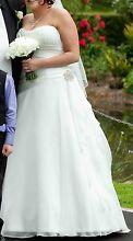 MAGGIE SOTTERO 'MIA' WEDDING GOWN - RARE ORIGINAL Greensborough Banyule Area Preview