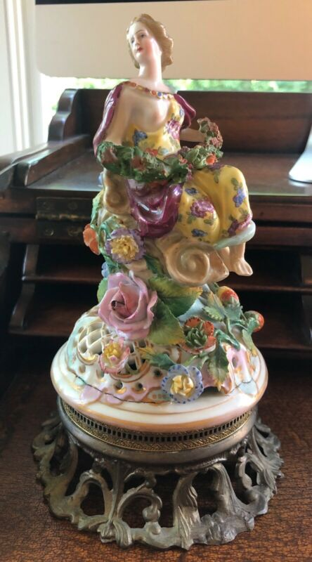 Antique Meissen Style Dresden Handpainted Figurine Lady Garland Applied Flowers