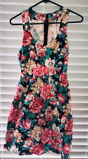 Floral Dress - looks great with a belt!