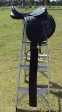 "Saddle STATUS 2.5"" Gullet 17.5 Seat Kid's Saddle Good Condition Kingaroy South Burnett Area Preview"