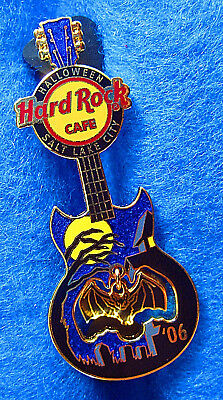 Halloween Salt Lake City (SALT LAKE CITY HALLOWEEN DANGLING BAT 2006 GUITAR FULL MOON Hard Rock Cafe)