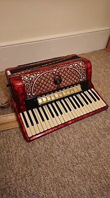 HORCH M 701 120 Bass Musette Accordion