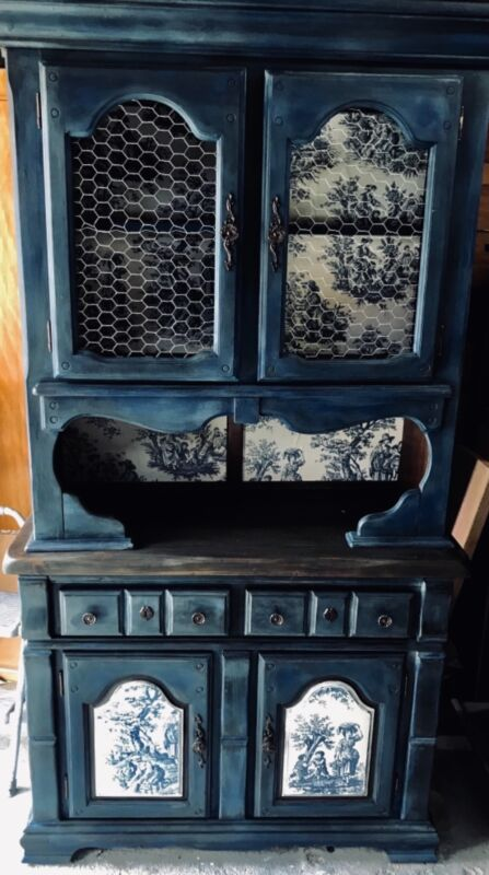 Vintage farmhouse hutch antiqued blue withchocken wire